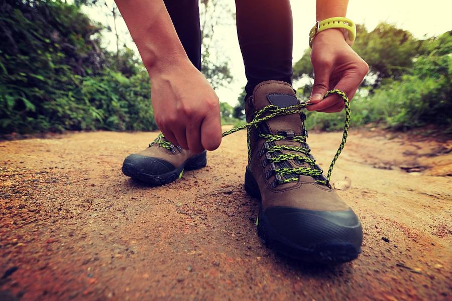 Wie de Nijmeegse Vierdaagse te druk en massaal vindt, kiest voor een alternatieve meerdaagse wandeltocht. Check onze tips.