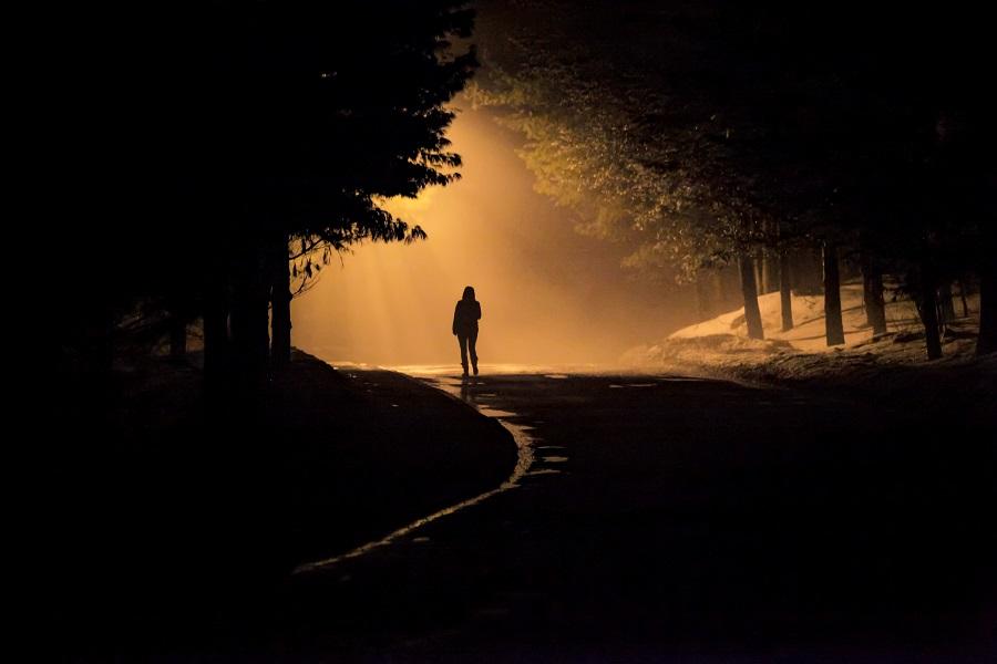 Veilig wandelen in je eentje is erg belangrijk - Toeractief